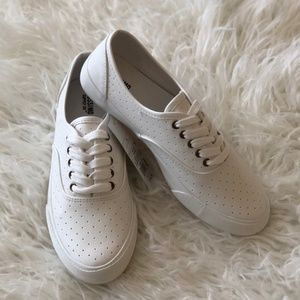 Mossimo Alba Laser Cut Womens Shoes